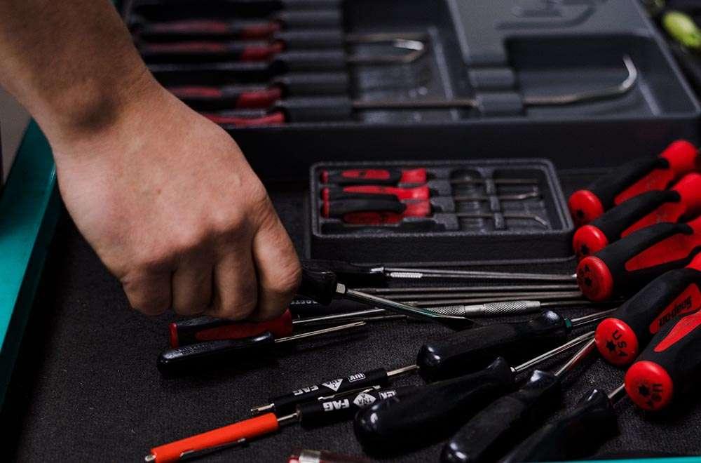 auto struts repair cost